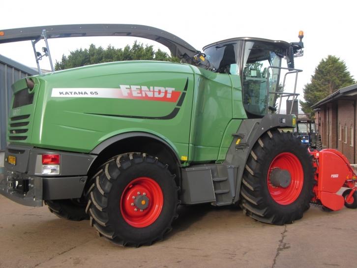 Fendt Katana 65 forager, 2017, 450/350 hrs   Parris Tractors Ltd