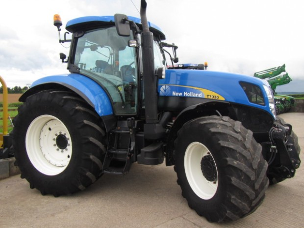 New Holland T7030, 06/2008, 5,461 hrs | Parris Tractors Ltd